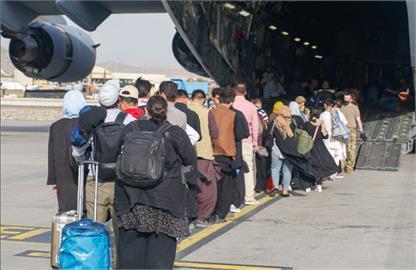 390名阿富汗「特別貢獻者」抵韓4人確診!南韓法務部:2成人+2兒童疑輕症