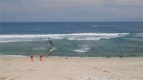 衝浪客失蹤! 男子拿衝浪板走下沙灘就不見了