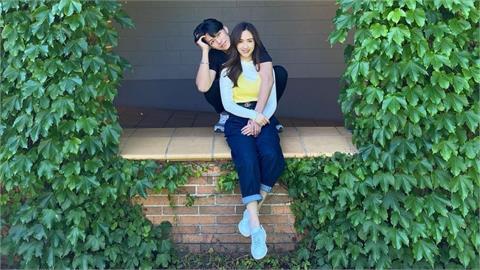 Sandy宣告明年結婚!首曬未婚夫合照「甜蜜環抱」閃瞎網友