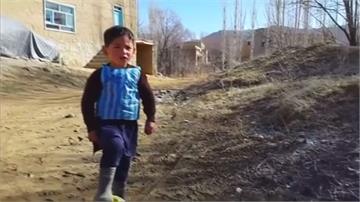 阿富汗小梅西暴紅付代價 遭塔利班威脅逃難