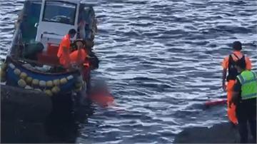 疑為撿釣竿掉進海裡 宜蘭釣客溺水命危搶救中