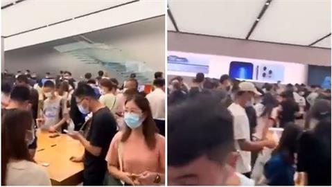 眾人搶iPhone 13中國男超痛心 店內苦喊「支持華為」網狠酸太無語