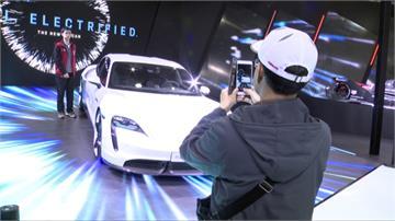 2020世界新車大展開幕 超跑界侯佩岑、謝金燕矚目