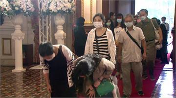 台灣首位總統為二二八道歉 家屬感謝哀悼李前總統