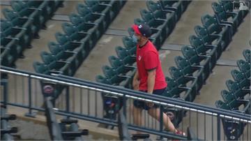 MLB/裁判趕球迷出場?原來是強投小史當觀眾