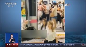 網路影音博主求關注 上海地鐵月台亂秀一字馬
