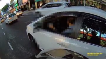 轎車撞騎士肇逃 警下班直擊猛追攔截