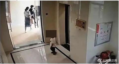 幼童版「藍可兒」?中國2歲童獨自搭電梯…跨欄杆墜6樓亡!
