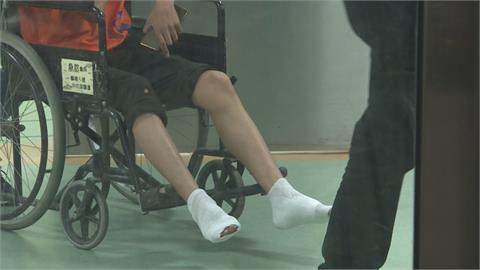 高雄宮廟活動過火意外 24人腳底燒燙傷
