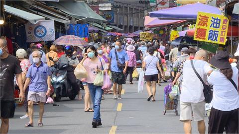 樹林傳統市場週末人潮多 自治會加強防疫防堵破口