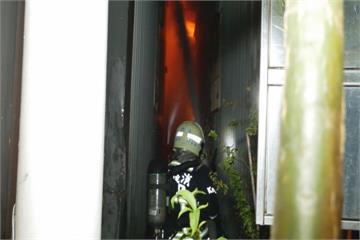 烏日紙器工廠火警 上百坪廠房付之一