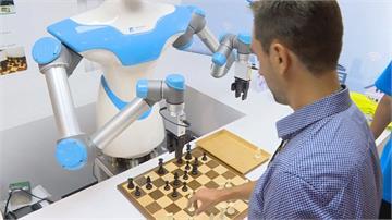 工研院機器人德國參展!能PK棋藝還能伴你好眠