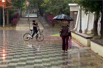 17縣市大雨特報 嚴防午後雷陣雨