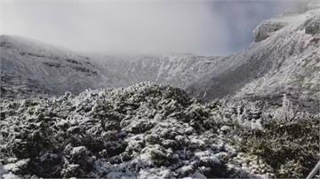 名符其實!雪霸公園「積雪稱霸」風雪不斷 雪山圈谷雪深50公分