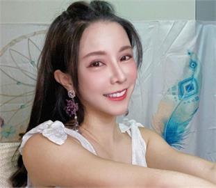巫苡萱「緊身小背心」打招呼 2萬粉絲朝聖喊:視覺的享受!