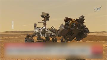 「毅力號」完成第一次試駕!留下「火星胎痕照」