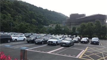 快新聞/宜蘭五峰旗停車場車輛再達50% 今早已啟動流量管制