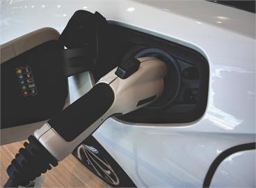 電動車電池關鍵材料 中日韓廠商掐喉嚨