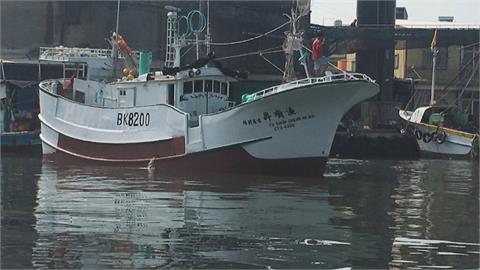 屏東小琉球漁船觸礁 船上4人失聯續搜救