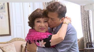 81歲「阿姑」周遊堅愛李朝永 甜蜜補辦婚禮
