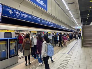 快新聞/北捷11日起拉長假日班距 中和新蘆線最久須等9.5分鐘