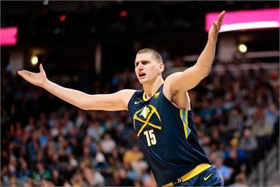 NBA/延續曼巴精神!布萊恩2年前點名 約柯奇「兌現」奪MVP