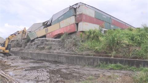 苗栗煤灰儲存廠鐵皮屋頂坍塌 驚!煙灰飛散如大爆炸