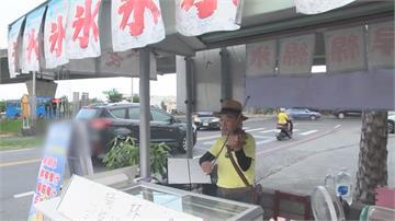 優雅旋律傳來… 日賣冰夜教課拉小提琴賣冰 退休校長:自娛還可娛人