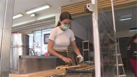 德國正妹愛台灣 餐飲解封紅豆餅店重新開張