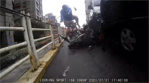 碰!貨車疑剎車失靈暴衝 外送員慘遭撞噴飛