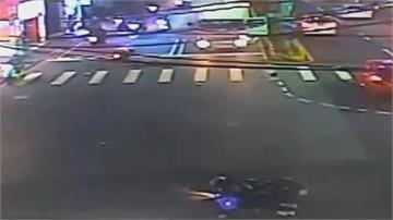 女子騎車突左切釀擦撞摔車遭後車輾斃現場血跡斑斑場面怵目驚心