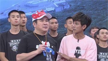 《綜藝大集合》胡瓜泰拳踢擊讓童韋傑翻滾五圈!「史上最拍馬屁表演」眾人笑瘋
