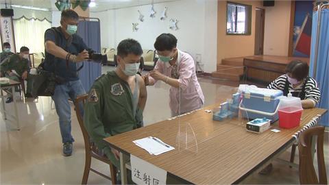 感謝國軍辛勞! 台南撥量能安排優先打疫苗