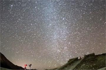 肉眼就可看!雙子座流星雨高峰今晚登場
