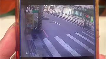 怪男貼車窗拉門把 女駕駛遭攔車嚇壞