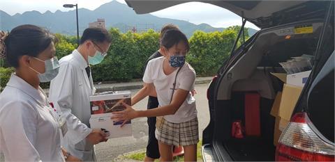賈永婕贈醫療物資 意外牽起護理師與小S暖心緣分
