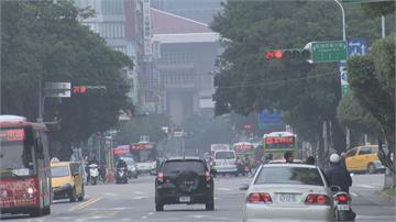 雙颱共舞! 閃電火速生成 北台灣低溫16度
