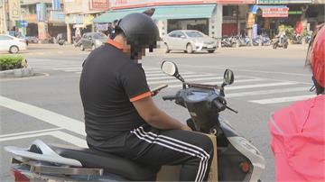騎車等紅燈別滑手機!台南檢舉破千件 違規罰1000元