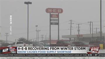 德州暴雪沒水電損失慘 居民拆椅櫃升火取暖