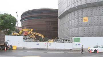 京華城B2驚見乾屍 開挖工人嚇壞急報警