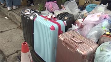 BTS演唱會禁帶行李入場 周邊攤商大發「保管財」