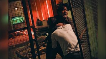 微解封!香港影帝林家棟《手捲煙》一打四 一鏡到底打鬥戲 搏命演出放火讓對手燒起來!
