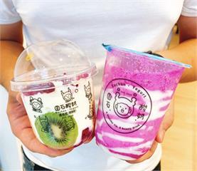 業者推手搖飲「shot杯 」圓石酸奶入冬聖誕新品可可優格飲 女孩搶喝不怕胖