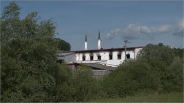 巴爾幹半島移民收容所大火 32人受傷