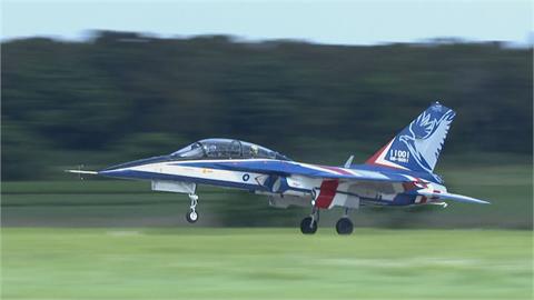 快新聞/國機國造新進展! 第一架勇鷹量產機今成功完成首飛