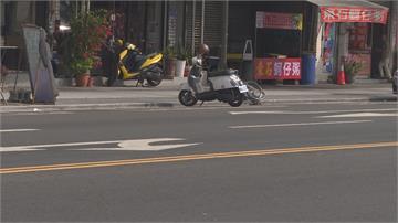 翁凌晨坐輪椅違規闖越雙黃線 遭小貨車撞飛送醫不治