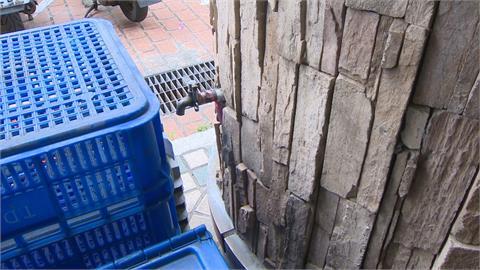400戶用掉8千噸水? 住戶質疑社區水管線恐破裂