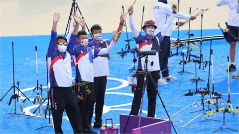 神射手! 繼2004年雅典奧運之後 台灣射箭男團奪奧運銀牌 蔡總統祝賀