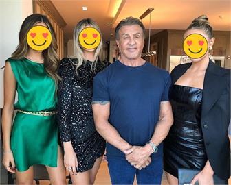 席維斯史特龍「極美3女兒」曝光!「超強基因」網瘋認親:岳父好
