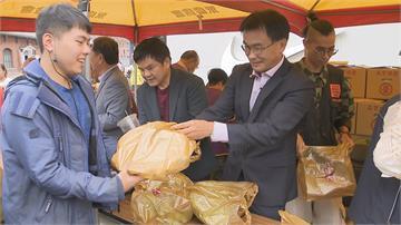 抗疫傳情義!天后宮集資採購1.5公噸 陳吉仲親自叫賣「屏東好蕉 」